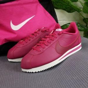 Nike Classic Cortez Leather Womens 8.5 Wild Cherry